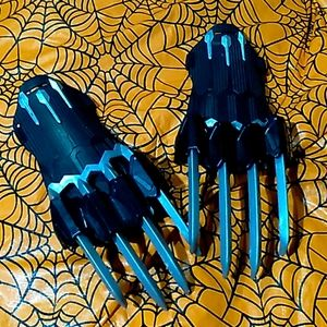 Marvel Hasbro - Wolverine costume claws